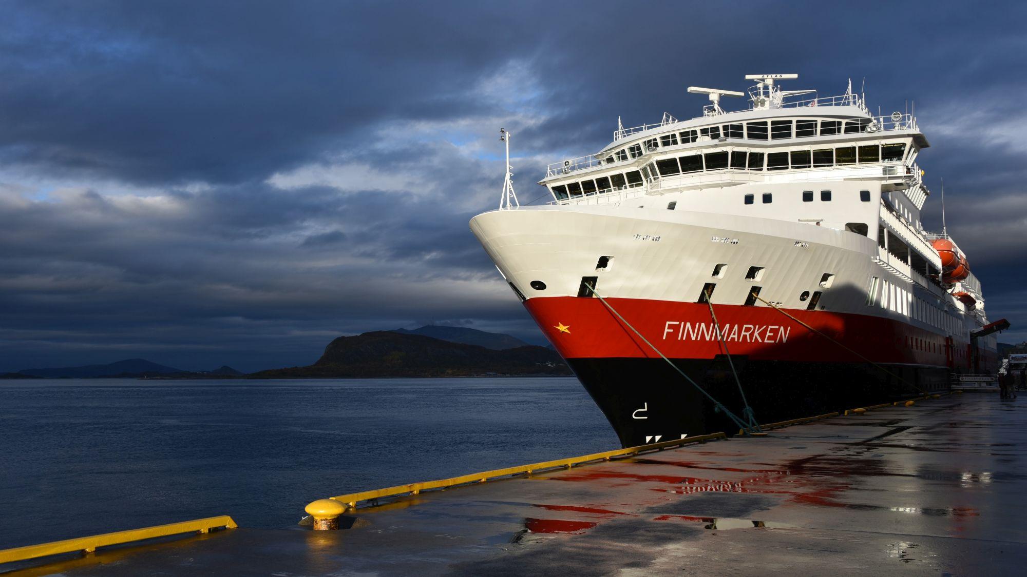 Hurtigrutenschiff Finnmarken