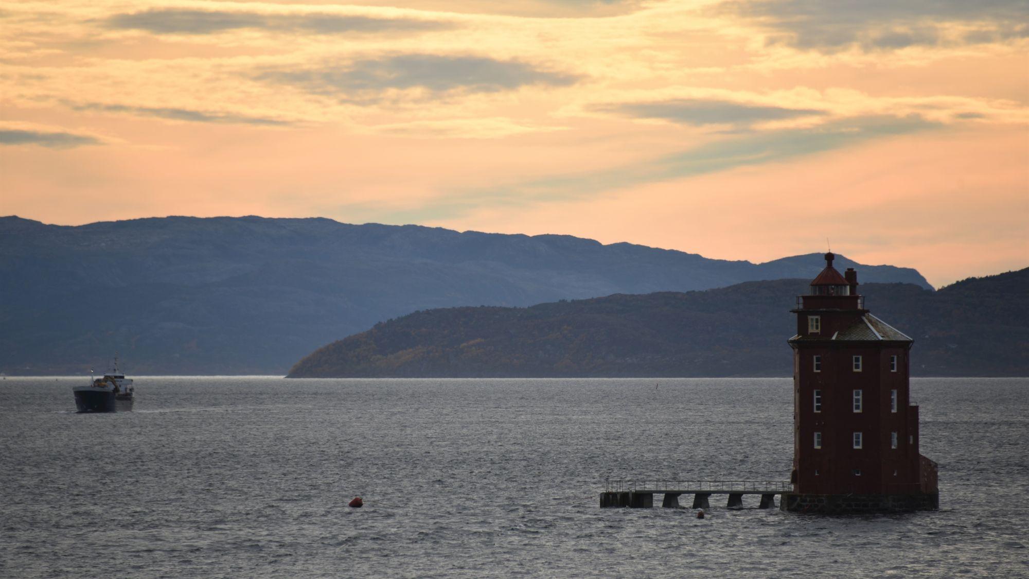 Leuchtturm im Wasser