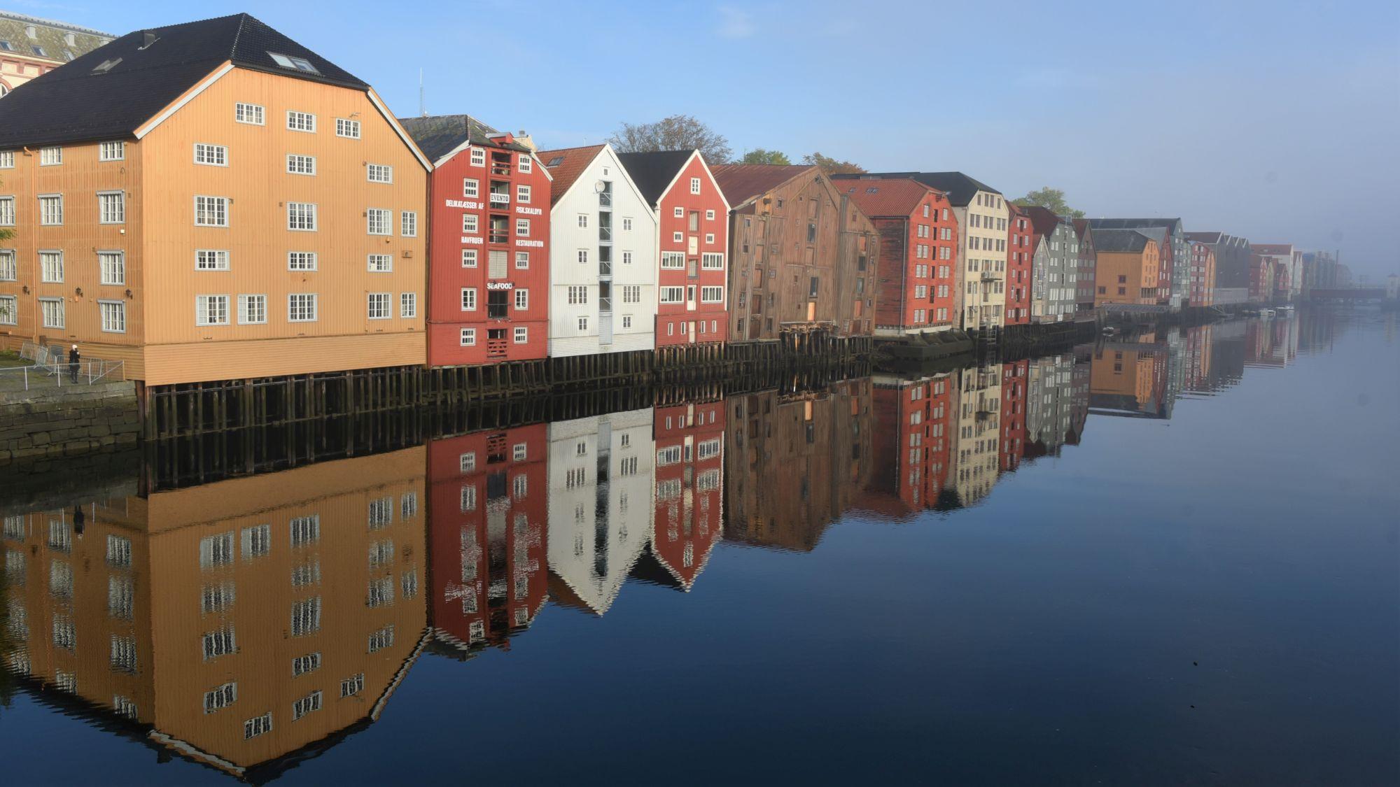 Häuserfront in Trondheim