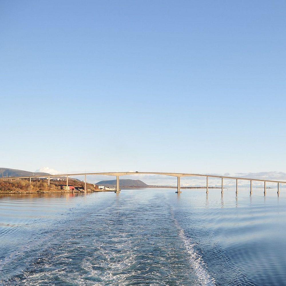 Brücke über Meer