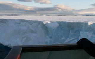 Blick auf den Tafeleisberg Antarktis