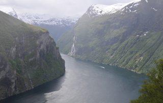 Geirangerfjord vom Aussichtspunkt Ørnesvingen aus